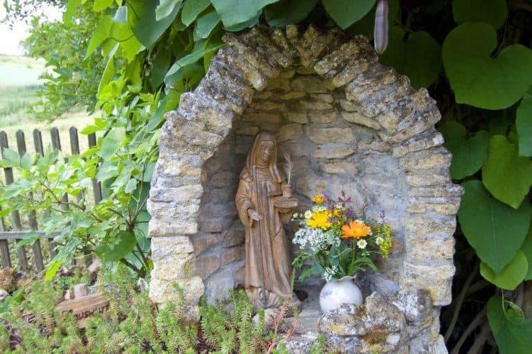 Hildegard von Bingen kam schon relativ jung in das Kloster.