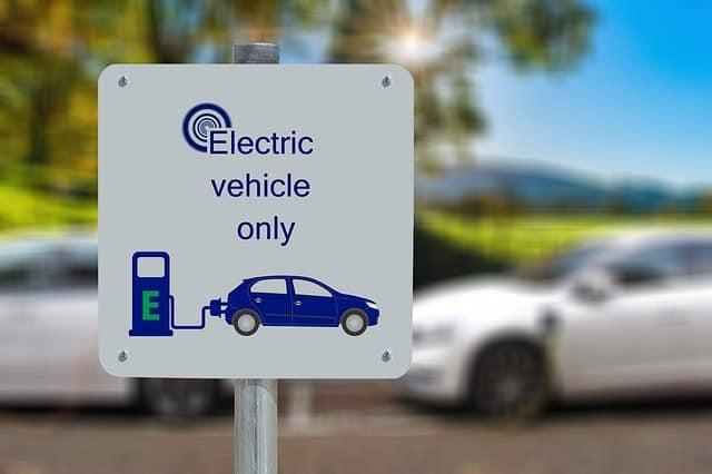 Schöne umweltfreundliche E-Mobilität