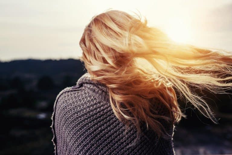 Frau mit schönem Haar